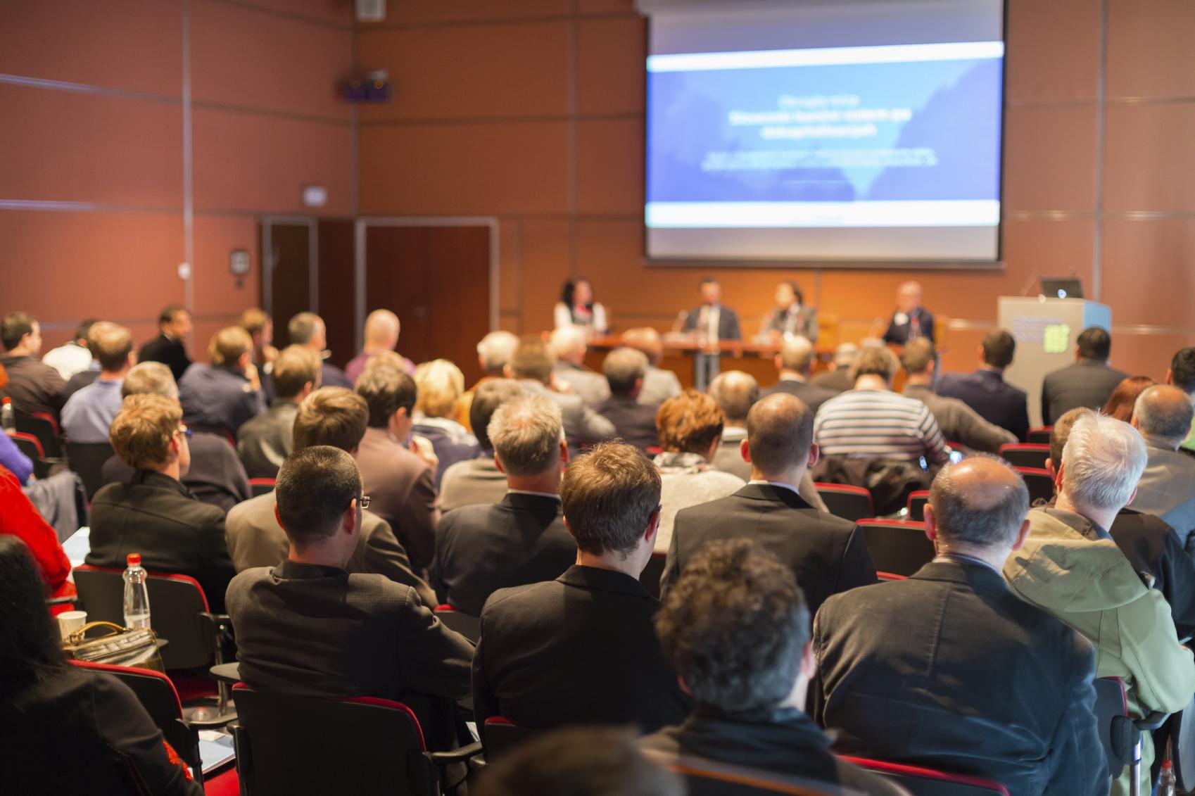 Las mejores estrategias para promocionar un evento corporativo