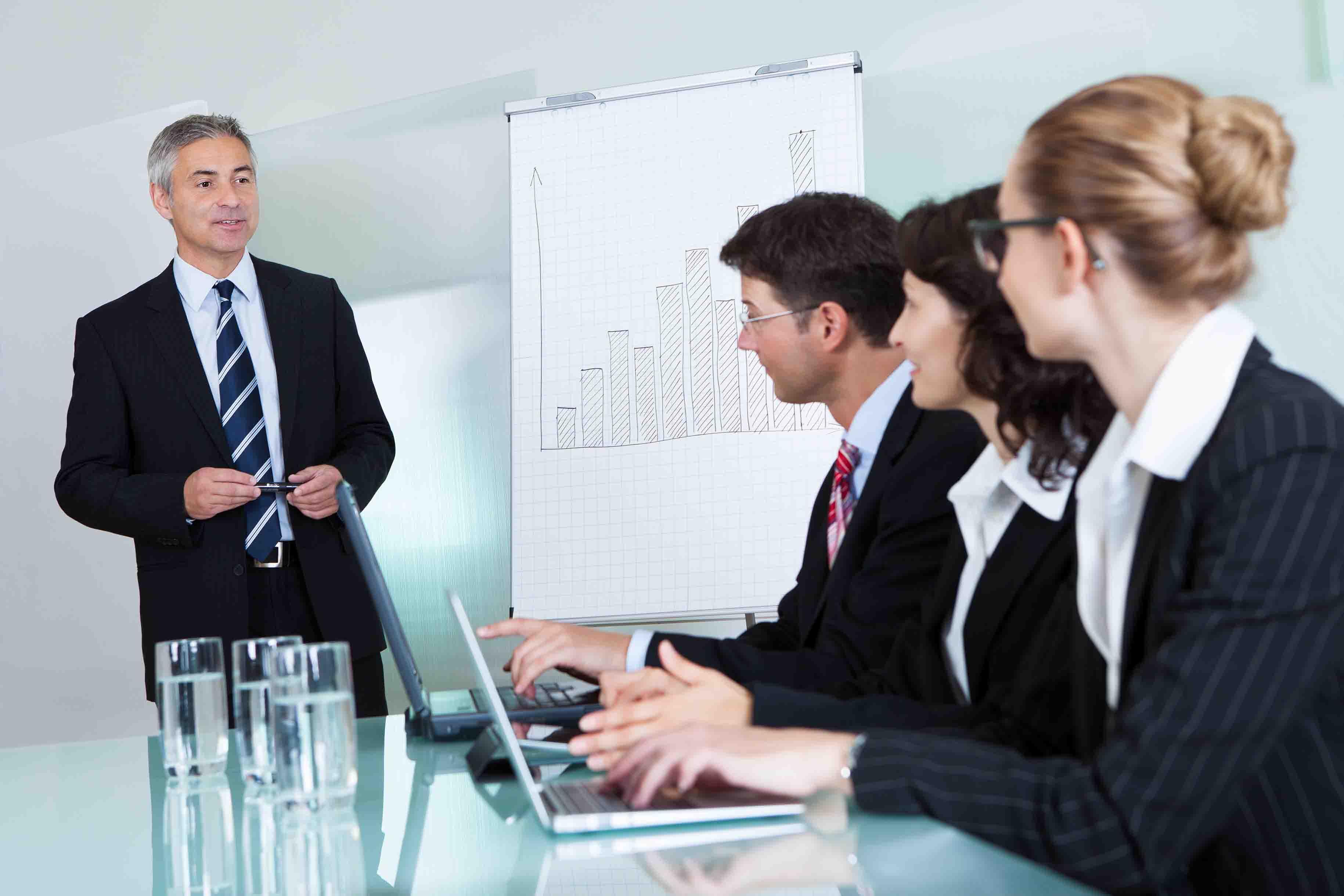 El_proceso_de_toma_de_decisiones_en_base_a_la_contabilidad_de_costes