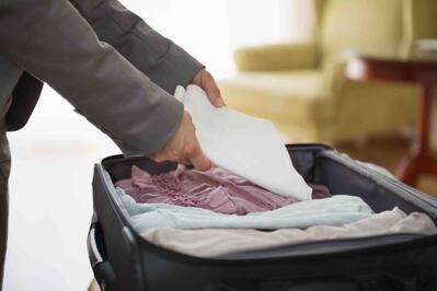 El_arte_de_hacer_la_maleta_para_viajes_de_negocios_el_traje