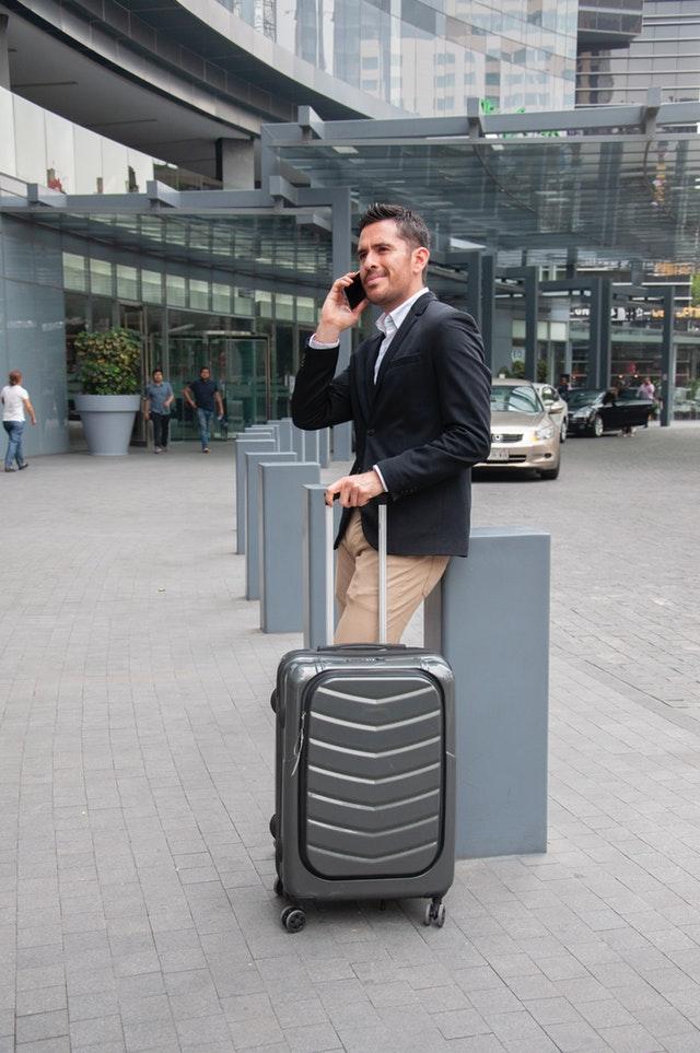 viaggio di lavoro, valigia viaggio di lavoro