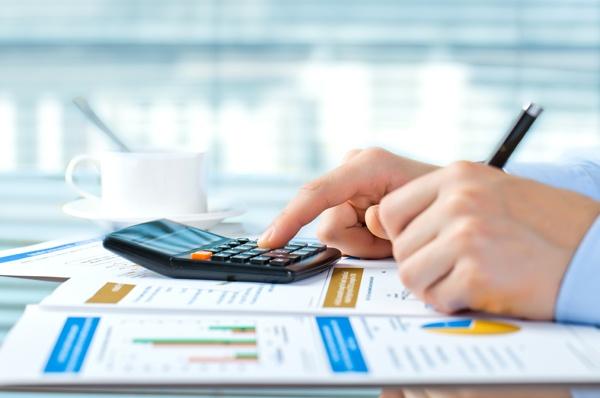 presentar factura sin IVA