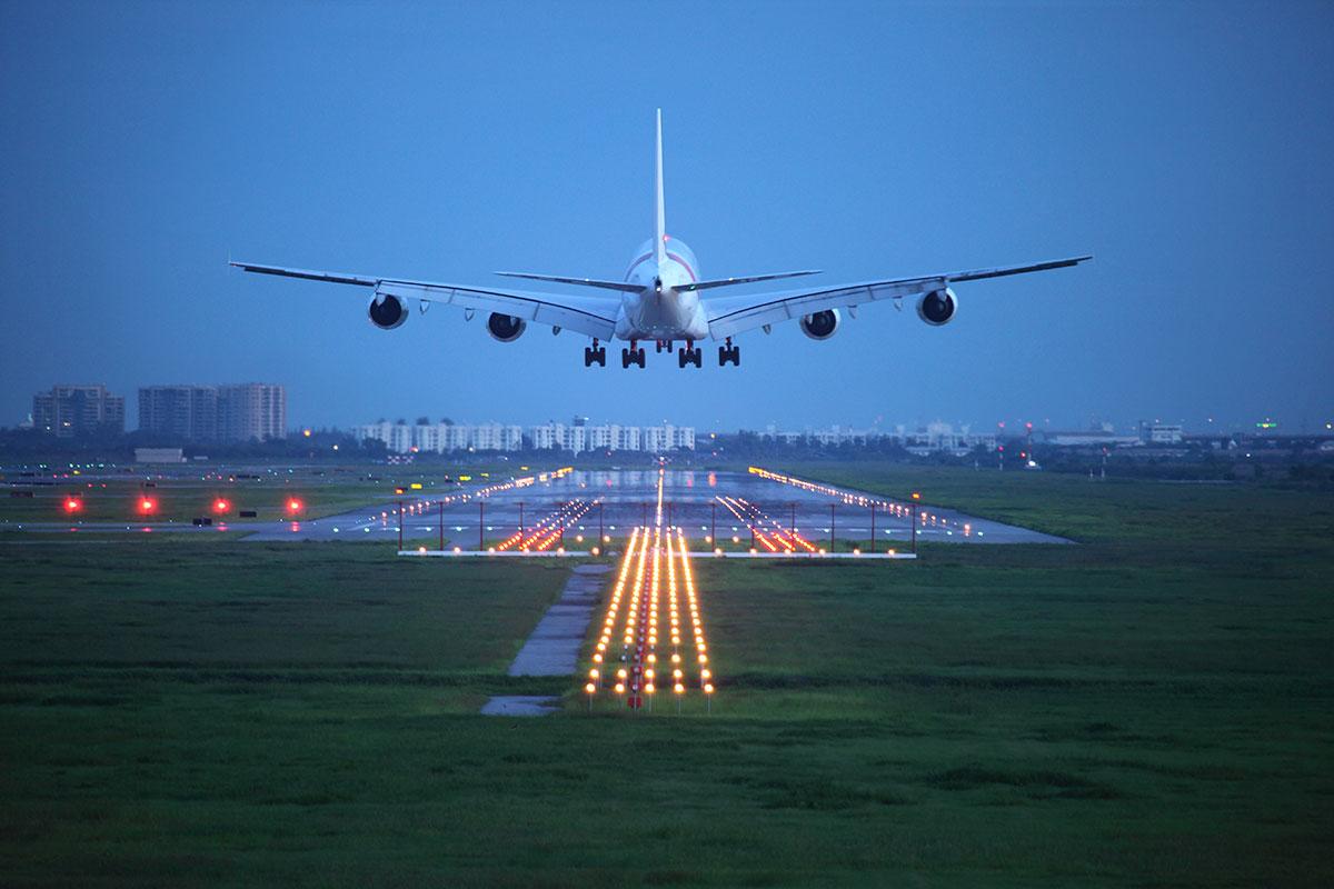 La subida de las tarifas aéreas en España supera la media europea