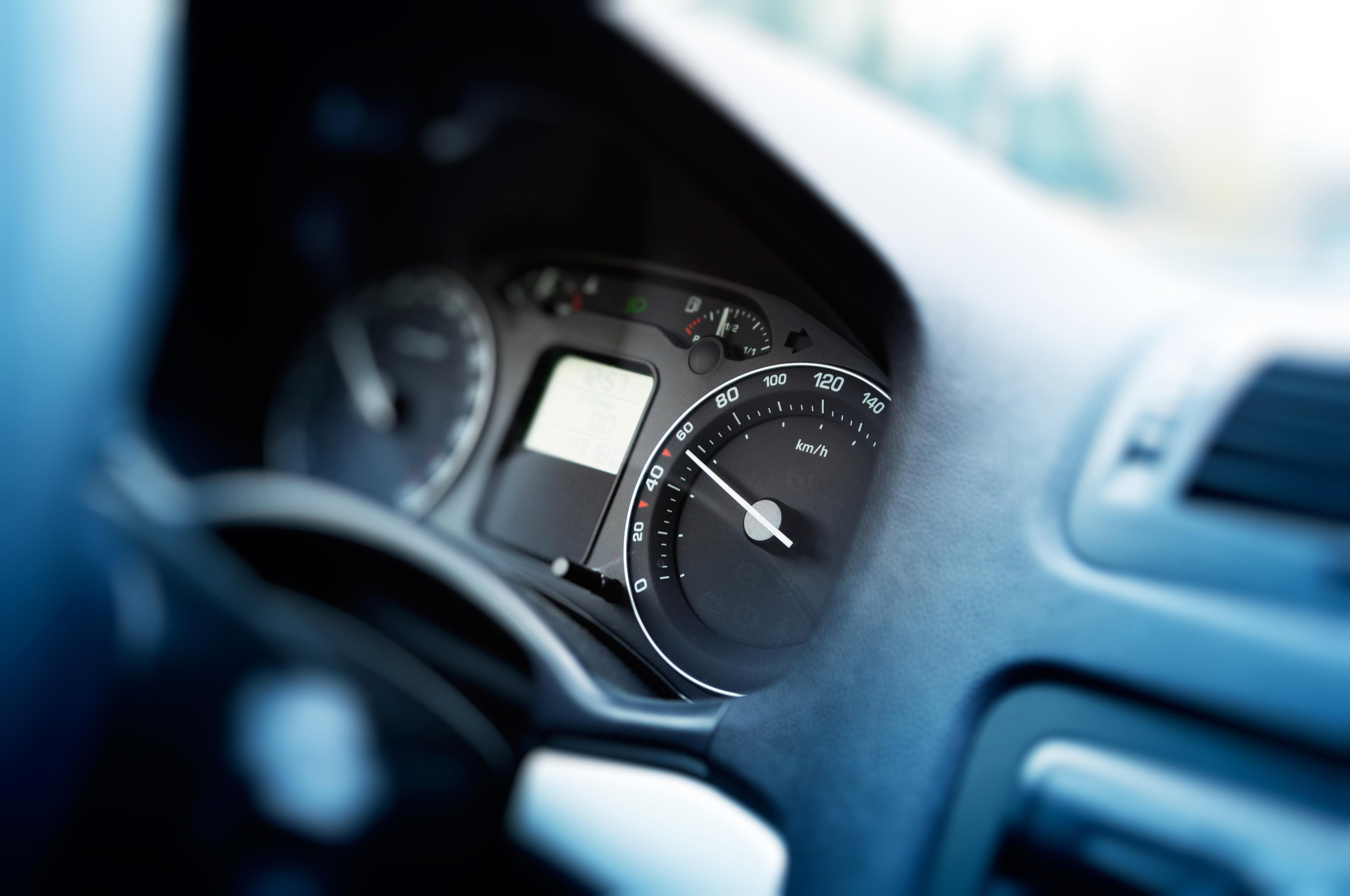 Las claves para deducir el IVA de la gasolina en tus viajes de empresa