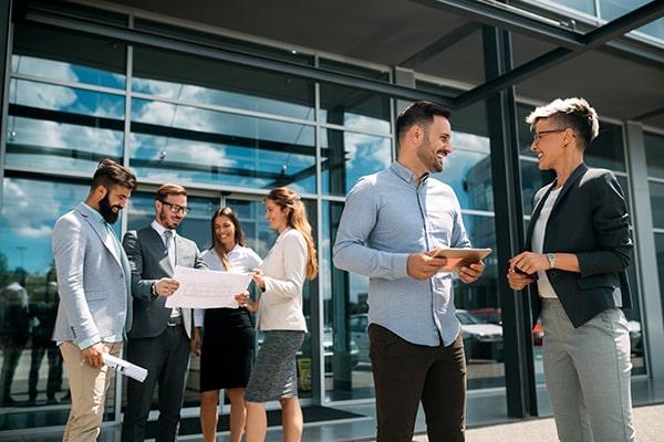 Conoce los pasos para crear un departamento comercial eficiente